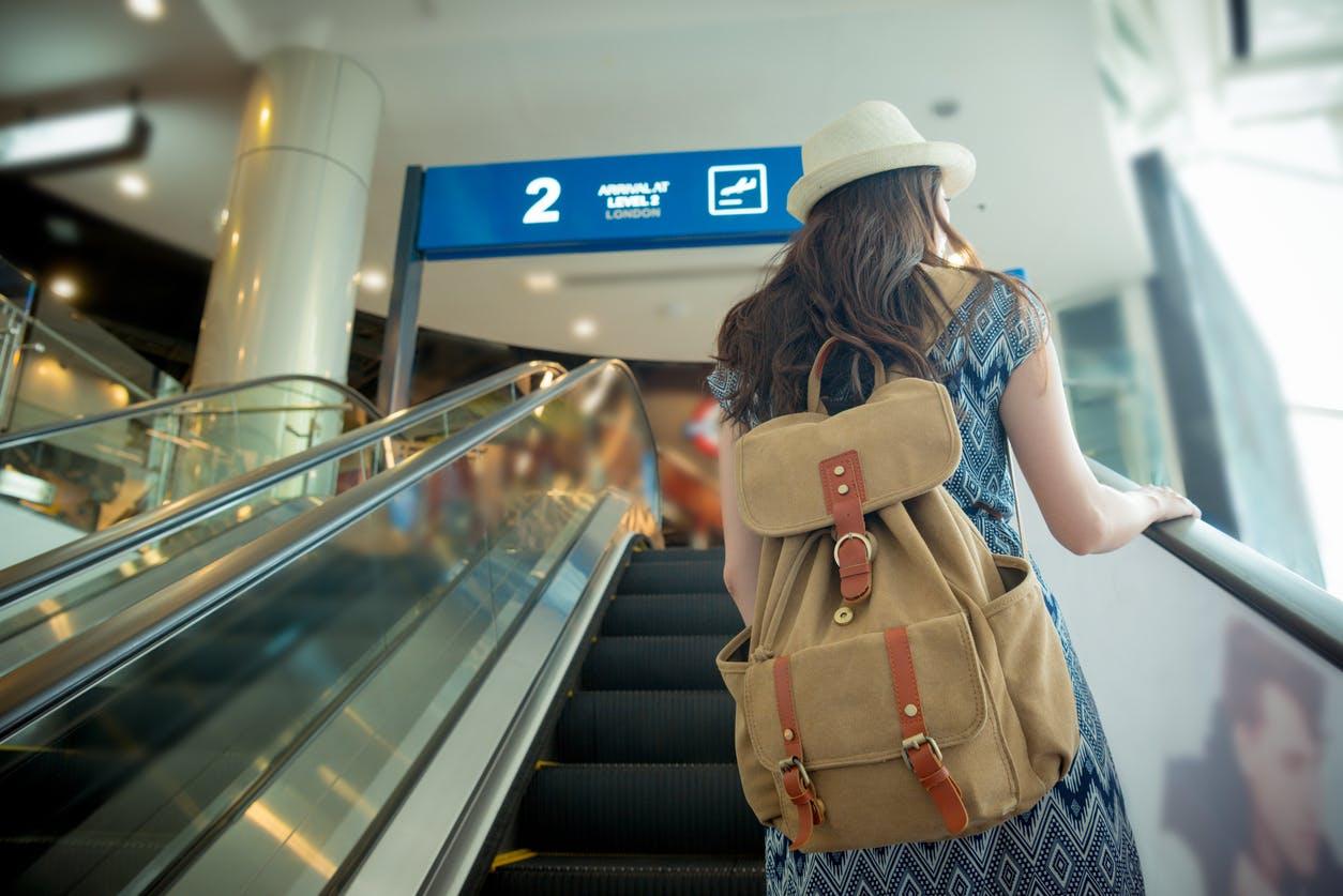 viajar solo al extranjero - compra un seguro viaje